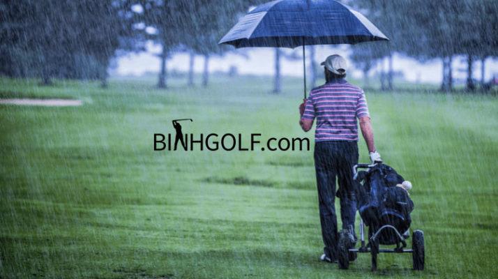 Những chú ý khi đánh golf gặp phải trời mưa sét