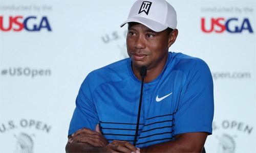 Tiger Woods sống trên du thuyền khi tham dự US Open Tiger Woods gây ngạc nhiên cho các phóng viên khi tiết lộ sống trên du thuyền trong một tuần diễn ra US Open. Ảnh: Golfweek.