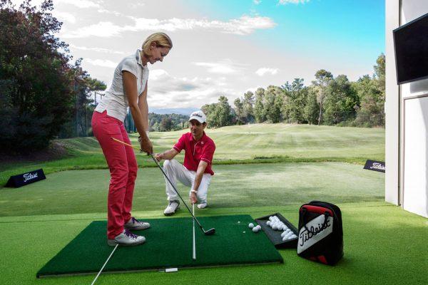 Học đánh golf ở đâu trong năm 2020 ~ 2021?