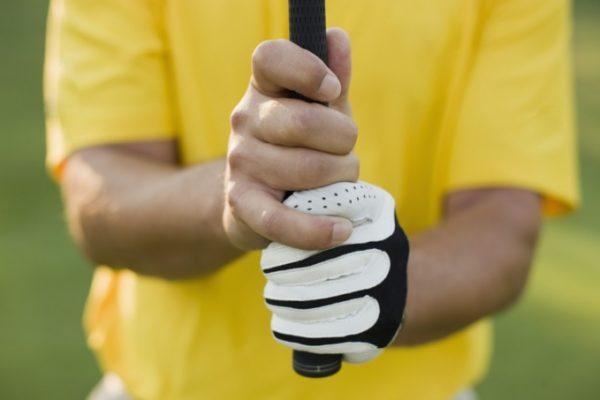 3 cách cầm gậy golf đạt tiêu chuẩn