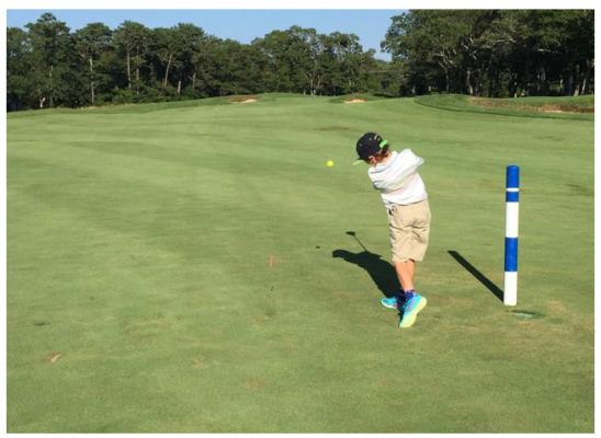 Hướng dẫn 7 cách giúp con bạn nuôi dưỡng tình yêu với golf