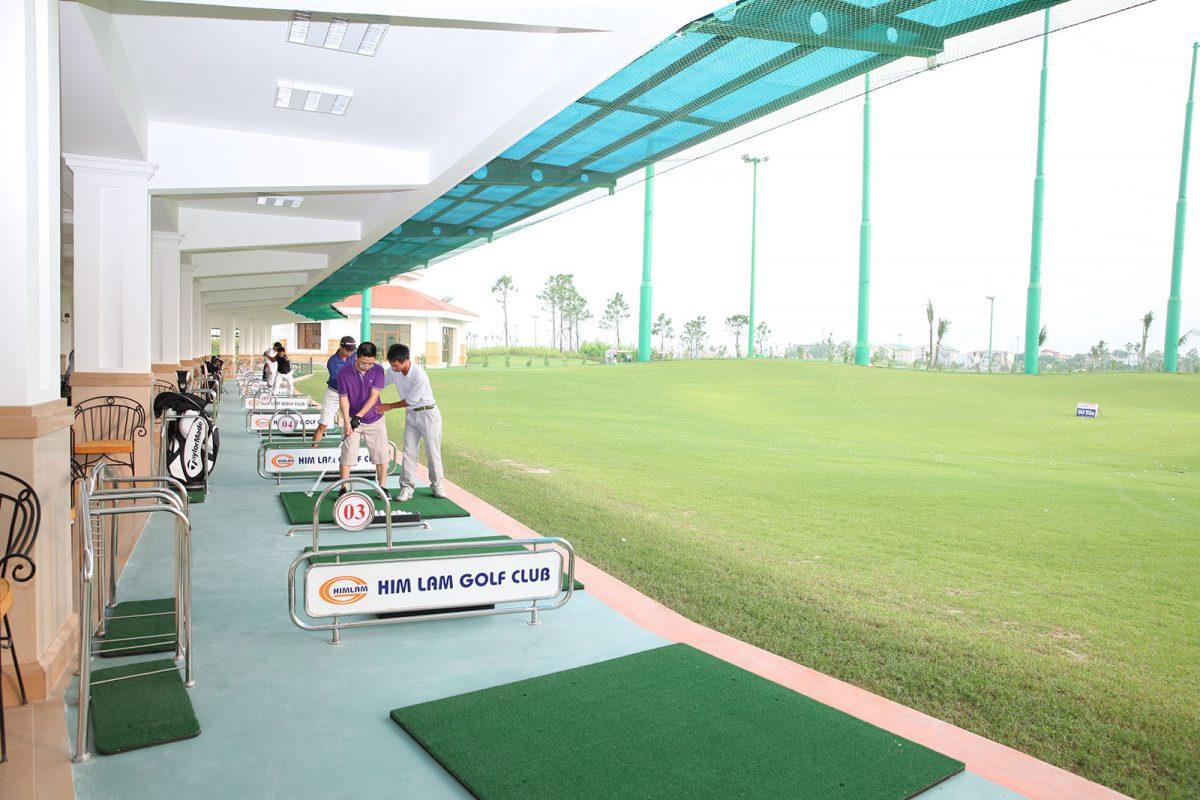 Thủ tục và giá khoá học đánh golf tại sân tập himlam golf club?