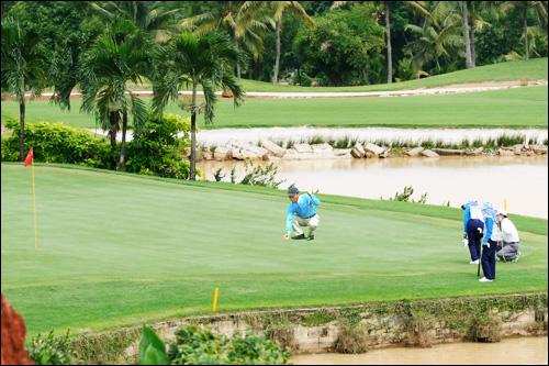 Sân Gôn (golf) Sông Bé Golf Resort Bình Dương