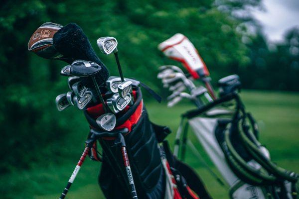 Người mới chơi golf nên dùng gậy cũ hay gậy mới?