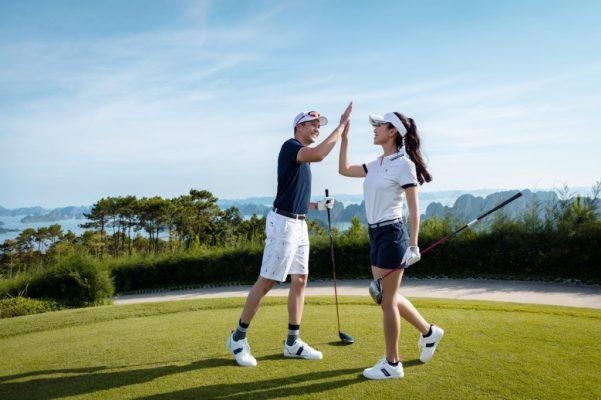 Phụ nữ chơi golf được không và học chơi golf khó hay dễ?