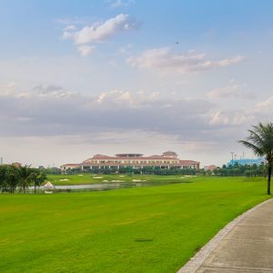 Học Đánh Golf Ở Sân Tập Golf Long Biên - Long Biên Golf Course Hà Nội