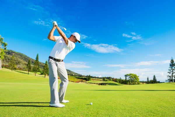 Golfer có nên tắm ngay sau khi đi chơi gôn (golf) ngoài nắng?