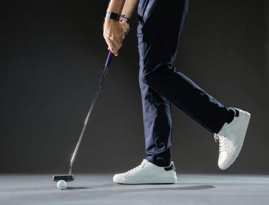 Hướng dẫn cải thiện kỹ thuật putting golf nhờ bài tập đứng một chân