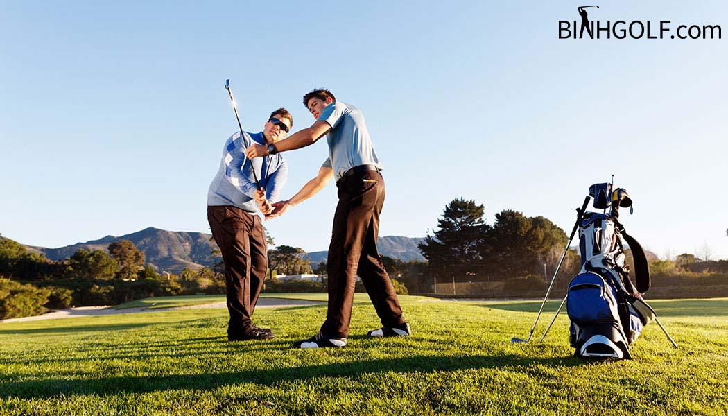 Bạn Nên Chọn Khoá Học Golf Nào Phù Hợp Với Bản Thân Mình
