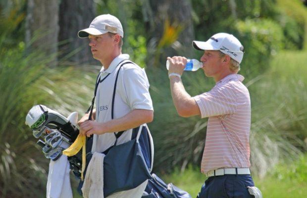 Chơi Golf Dưới Trời Nắng Nóng Ngày Hè Cần Chú Ý Điều Gì?