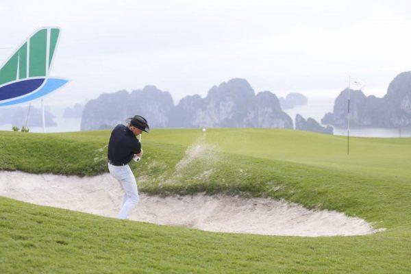Huyền Thoại Golfer Greg Norman Đánh Giá Việt Nam Có Thị Trường Golf Đầy Tiềm Năng