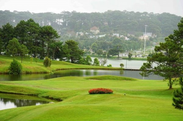 Sân Golf Đà Lạt Đồi Cù ( Dalat Palace Golf Club )