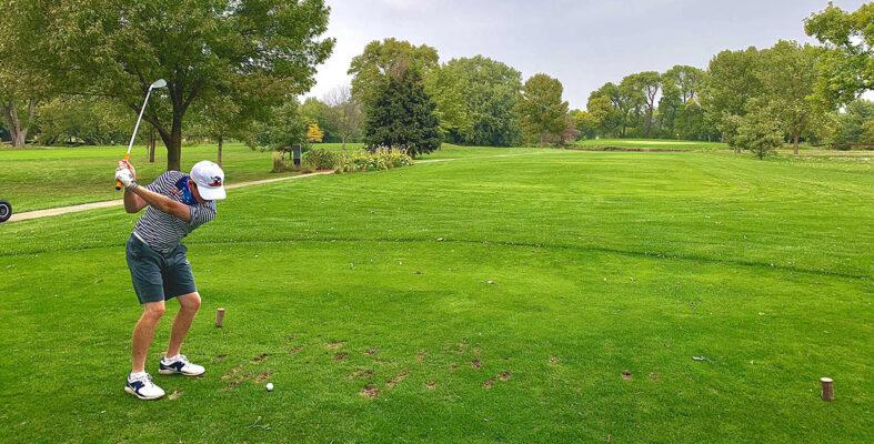 Chi Phí Chơi Golf Tốn Khoảng Bao Nhiêu Tiền Mới Nhất Năm 2021? Đánh Golf Có Gì Hay?