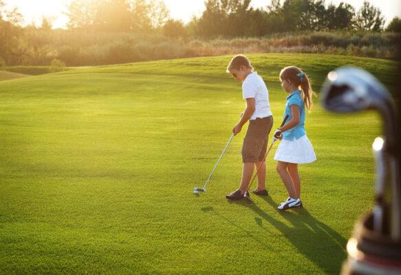 Chi Phí Học Chơi Golf Mới Nhất Năm 2021 Khoảng Bao Nhiêu Tiền?