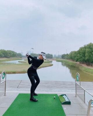 Gái xinh bỏ chi phí trăm triệu học chơi golf vì quá mê, khẳng định muốn tìm đại gia chẳng cần phải ra sân