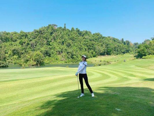 Hot girl Nhã Tiên, Ngọc Duyên chơi golf để giữ dáng I Lợi ích hay tác dụng của việc chơi golf là gì?